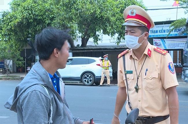 Hà Nội: Xử phạt hơn 3 tỷ đồng từ người không đeo khẩu trang - 1