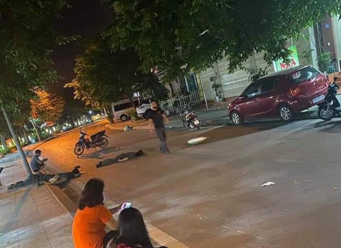 Xe máy chở 3 cô gái tự gây tai nạn, 2 người chết tại chỗ, 1 người nguy kịch - 1