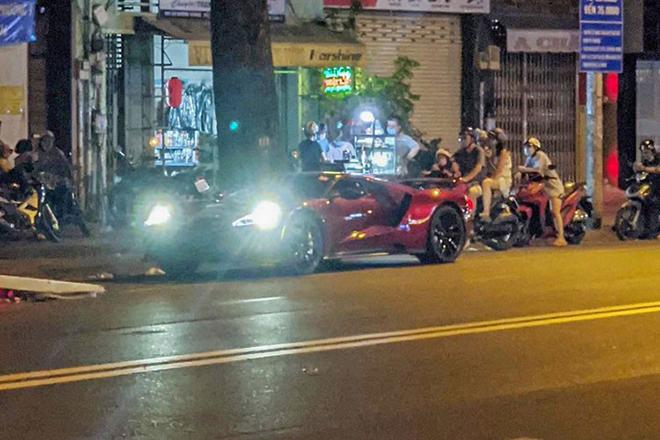 Siêu phẩm Ford GT đầu tiên có mặt tại Việt Nam - 3