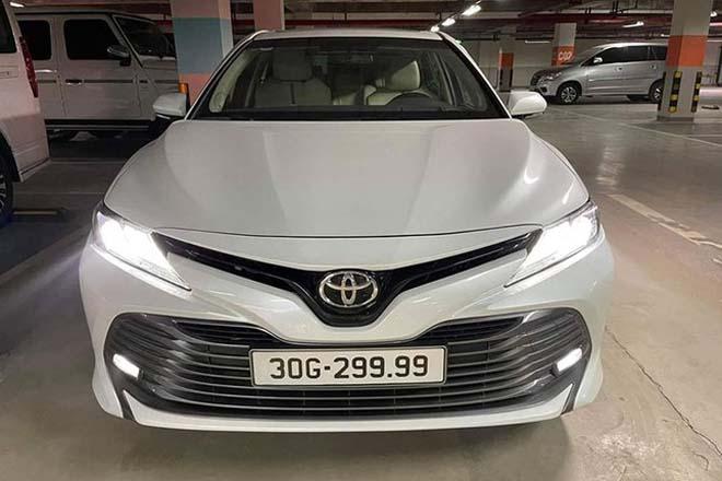 Toyota Camry mang biển tứ quý 9 được rao bán gấp đôi giá mới mua - 4