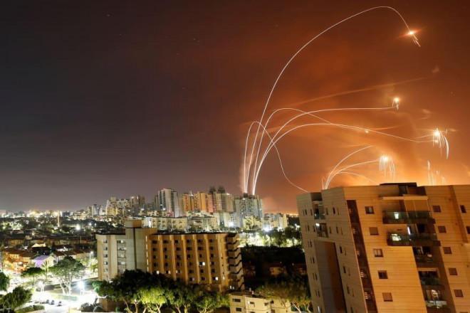 Hứng 2.000 quả rocket của Hamas, vùng biên Israel hóa 'thị trấn ma' - 1