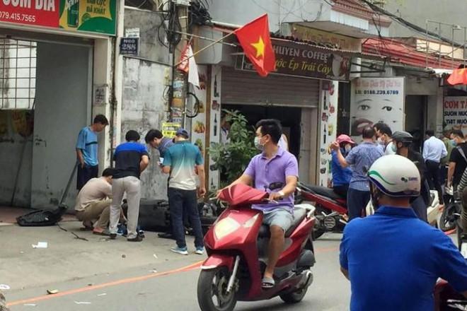 Điều tra vụ ôtô truy đuổi, tông thẳng vào xe máy, 2 người tử vong - 1