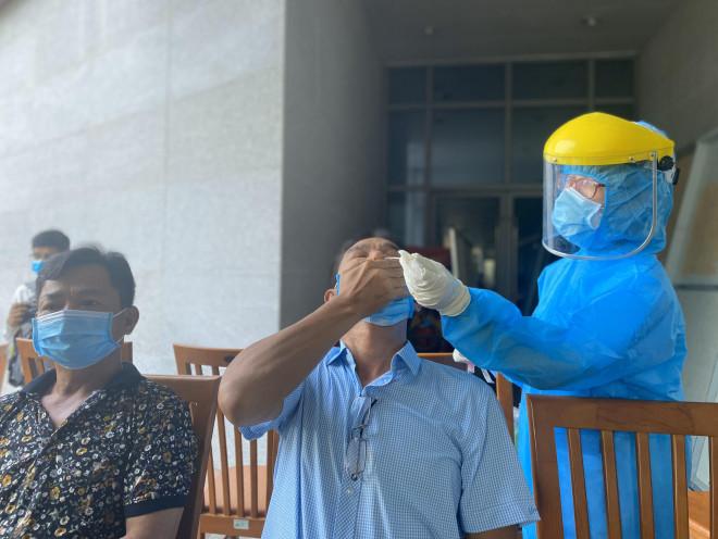 Đà Nẵng thông tin về nữ Giám đốc Sở Tư pháp dương tính với SARS-CoV-2 - 1