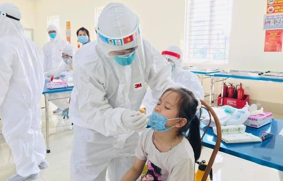 Bắc Ninh thêm 30 ca dương tính với SARS-CoV-2, lấy mẫu xét nghiệm ngẫu nhiên tại các chợ, siêu thị - 1