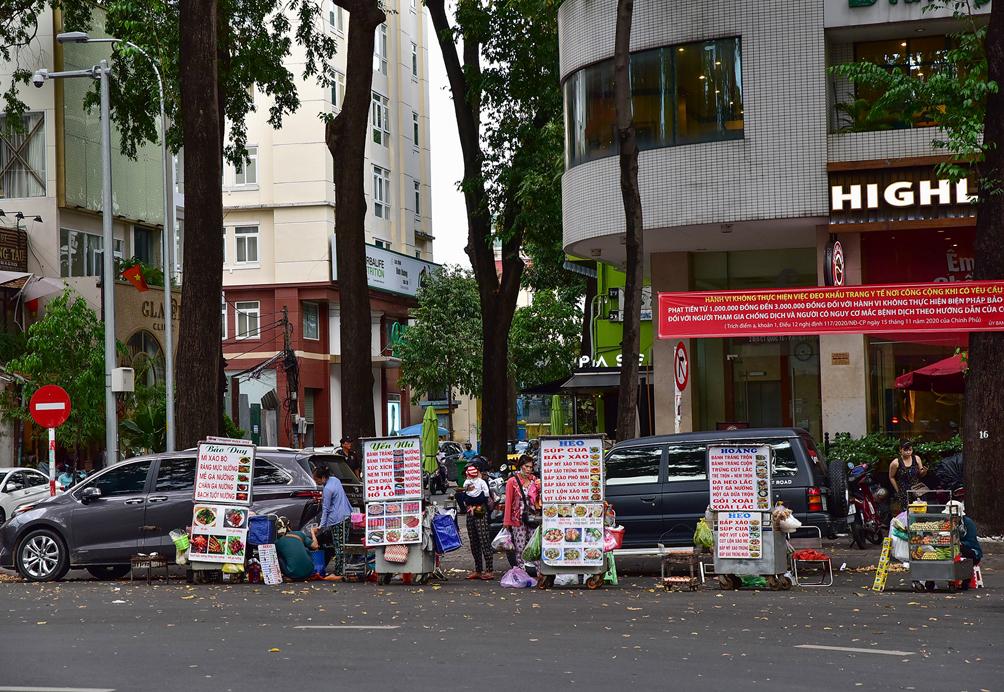 """Hình ảnh vỉa hè """"rách nát"""" quanh hồ nổi tiếng bậc nhất Sài Gòn được đề xuất """"thay áo"""" mới bằng 50 tỉ đồng - 16"""