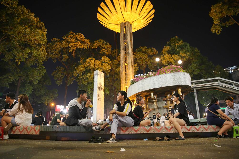 """Hình ảnh vỉa hè """"rách nát"""" quanh hồ nổi tiếng bậc nhất Sài Gòn được đề xuất """"thay áo"""" mới bằng 50 tỉ đồng - 3"""