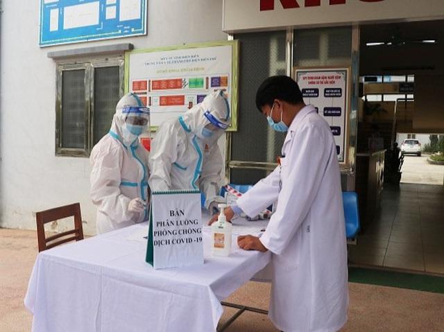 2 cô giáo dương tính với SARS-CoV-2, 1 người đang mang thai tháng thứ 8 - 1