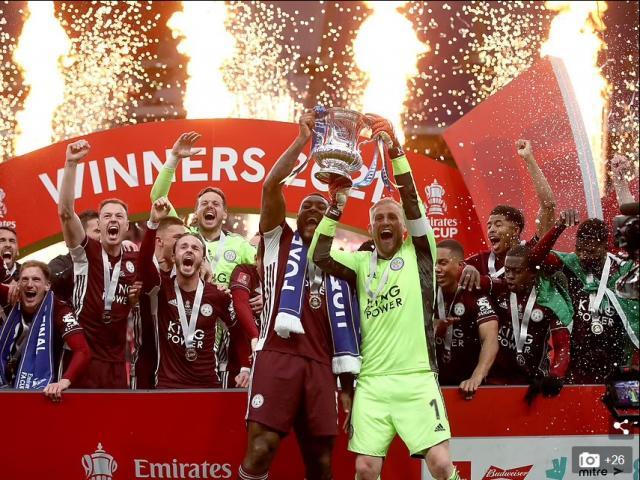 Hạ Chelsea, Leicester City đón mưa kỷ lục trong ngày xưng vương FA Cup