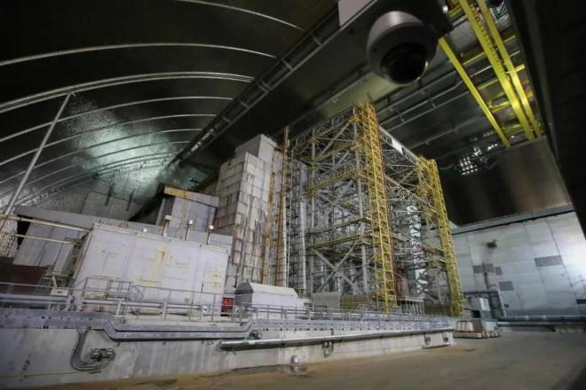 Nhà máy hạt nhân Chernobyl lại cháy âm ỉ và có thể phát nổ - 1
