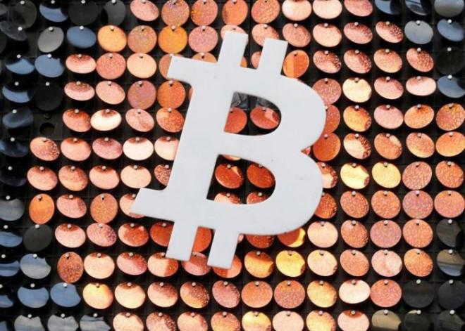 Tỷ phú Elon Musk lại khiến giá Bitcoin giảm kỷ lục - 1