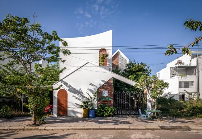 """Căn nhà này có tên là """"Nhà của Gió"""", là tổ ấm của một cặp vợ chồng ở Đà Nẵng."""