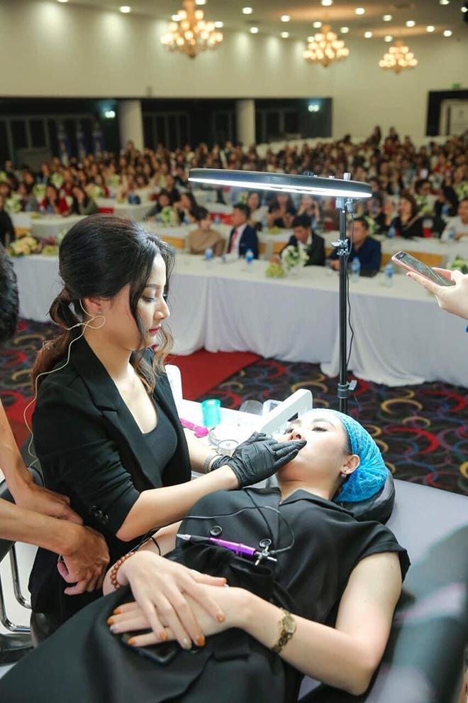 Nghệ nhân Vũ Hồng Hạnh trở thành đại sứ thương hiệu Stem cell for Lips - 1