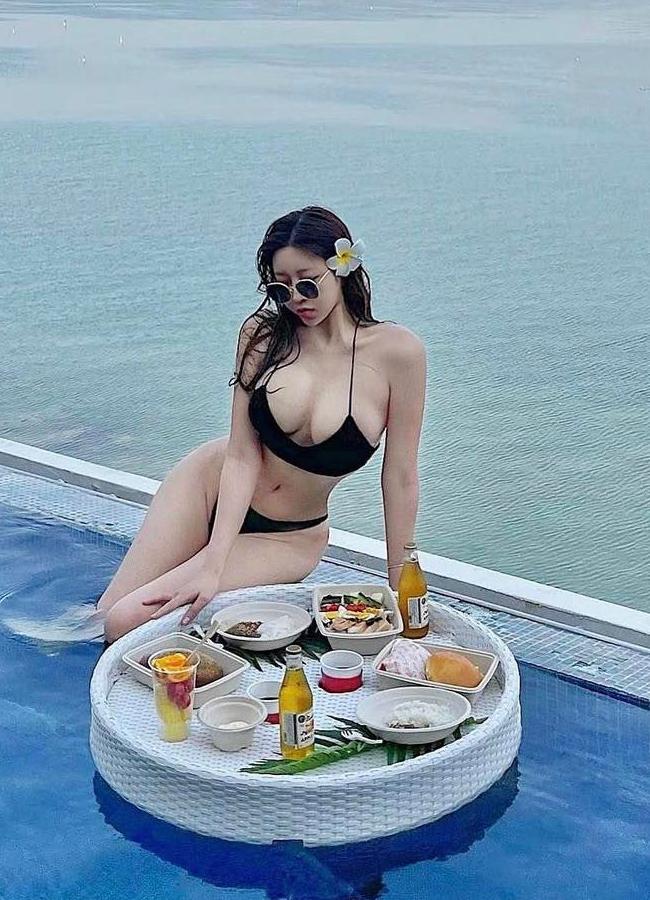 """Được mệnh danh là """"Đại hot girl Hàn Quốc"""", Choi Somi gây mê người nhìn với nhan sắc xinh đẹp cùng vóc dáng """"phồn thực"""" đã trở thành thương hiệu."""