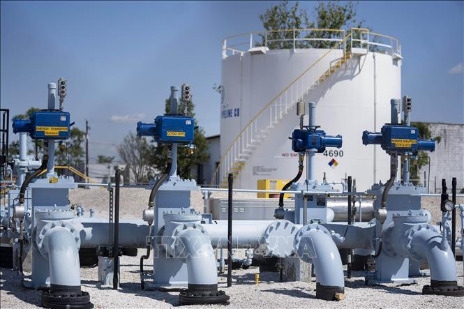 Giá dầu hôm nay 18/5: Tăng mạnh trước hi vọng sức cầu được cải thiện nhanh chóng - 1