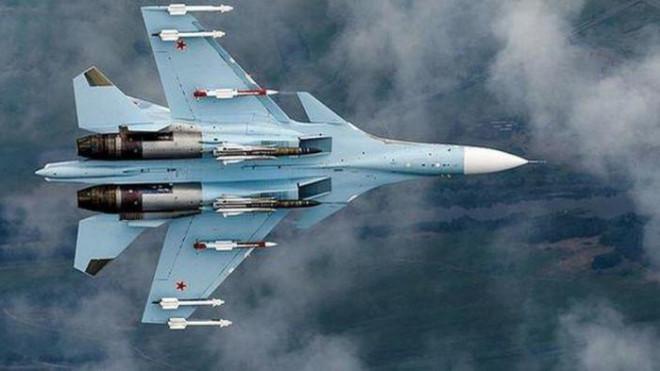 Một động tác của phi công Su-30 Nga là đủ để khiến 3 máy bay Pháp bỏ chạy - 1