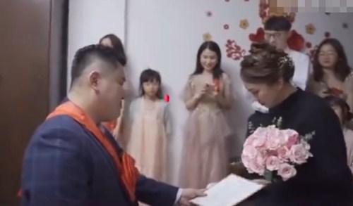 Chú rể không chịu thề nguyện với cô dâu, đòi bỏ đi khi đang đám cưới - 1