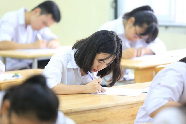 Hà Nội: Học sinh lớp 12 làm bài kiểm tra, thi trực tuyến vào cuối tháng 5 - 1
