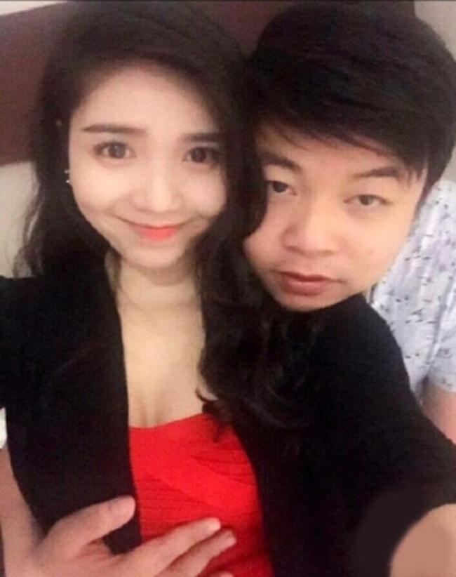 """Nam ca sĩ hải ngoại Quang Lê từng đăng ảnh """"đụng chạm"""" vòng 1 diễn viên Thanh Bi khi cả hai đang hẹn hò."""