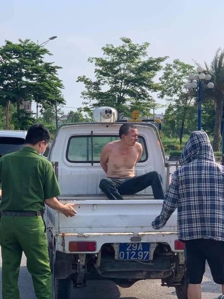 Kẻ trốn nã giết người khai lý do đâm trọng thương tài xế xe taxi ở Hà Nội - 1
