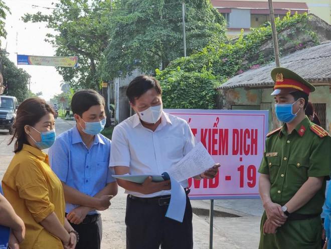 Khẩn: Tìm người đi chung xe khách với ca mắc COVID-19 đầu tiên của tỉnh Sơn La - 1