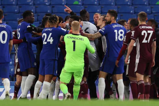 Chelsea hạ Leicester lên top 3: 30 cầu thủ loạn đả phút bù giờ, nguy cơ phạt nặng - 1