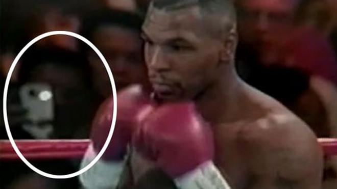 """Hóa giải nghi ngờ """"người ngoài hành tinh"""" tới xem Mike Tyson đấu Boxing - 1"""