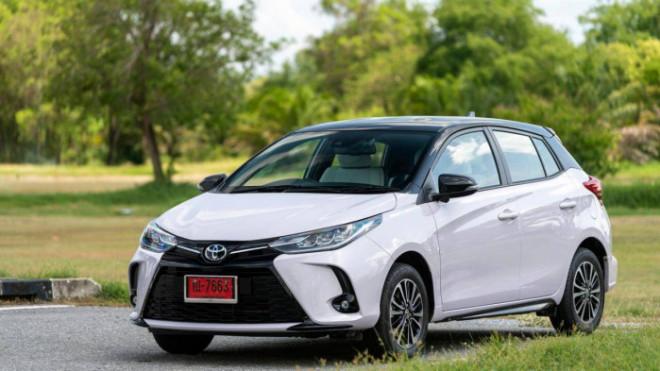 Toyota Yaris Play phiên bản giới hạn, giá  518 triệu đồng - 1