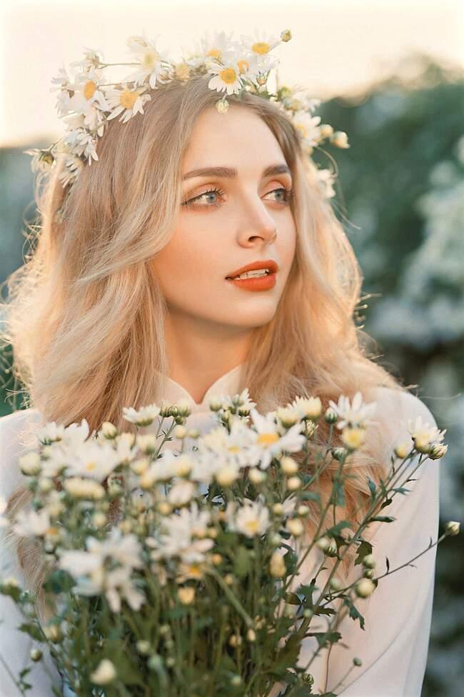 """Anna từng chia sẻ trên trang cá nhân: """"Tôi có mái tóc vàng, đôi mắt xanh, trái tim Ukraine và tâm hồn Việt Nam""""."""