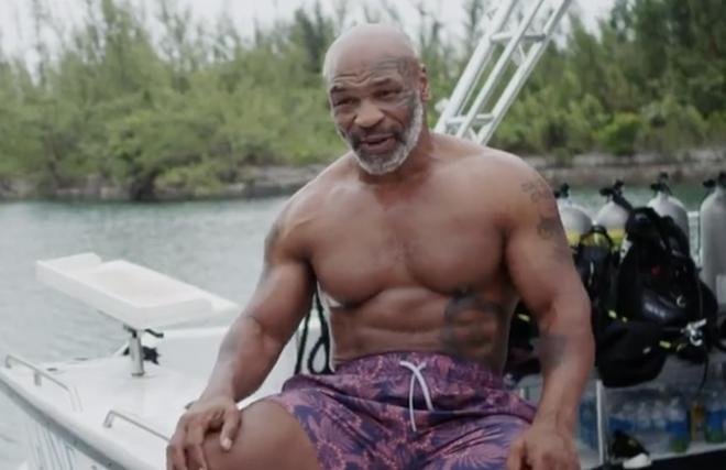 """Mike Tyson lộ chuyện """"tày đình"""": """"Thác loạn"""" 3 tháng trên du thuyền - 1"""