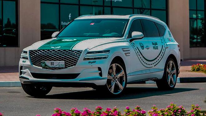 Xe Hàn Genesis GV80 lọt vào bộ sưu tập xe của cảnh sát Dubai - 1