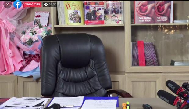 """Livestream của vợ đại gia Dũng """"Lò Vôi"""" phá vỡ kỷ lục tại Việt Nam - 1"""