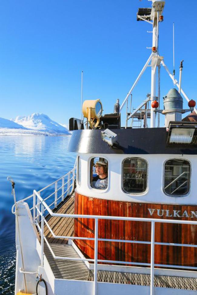 Tromso, Na Uy: Đến thành phố Tromso ở Bắc Cực, du khách sẽ có cơ hội được chiêm ngưỡng những điều rất thú vị. Hãy thử một buổi lênh đênh trên tàu để ngắm Bắc cực quang hoặc xem cá voi.