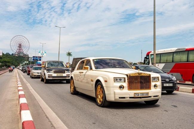 Choáng ngợp với dàn siêu xe mạ vàng, biển đẹp của đại gia kín tiếng đất Quảng Ninh - 1