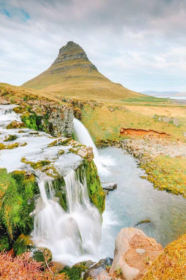 Grundarfjörður, Iceland: Toàn bộ khu vực xung quanh Grundarfjörður thật sự đẹp. Hãy nhớ ghé thăm núi Kirkjufell trong một chuyến đi bộ đường dài quanh khu vực.