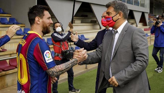 """Barca nguy cơ bị cấm dự Cúp C1, vẫn sắp """"trói chân"""" được Messi - 1"""