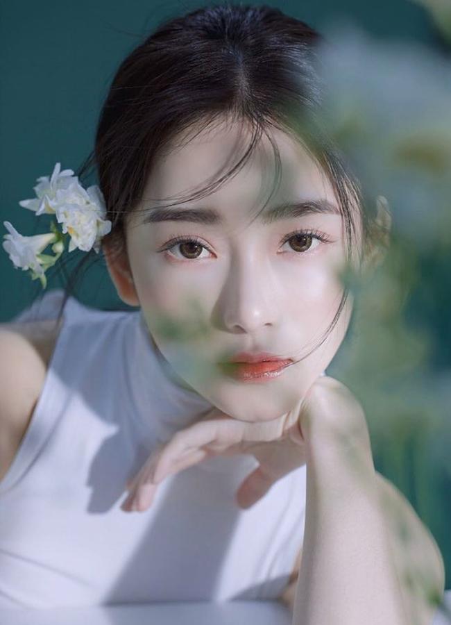 Bác sĩ Đài Loan tên là Jen Lee từng bị nhầm là người nổi tiếng nhờ sở hữu gương mặt xinh đẹp cùng sắc vóc nóng bỏng.