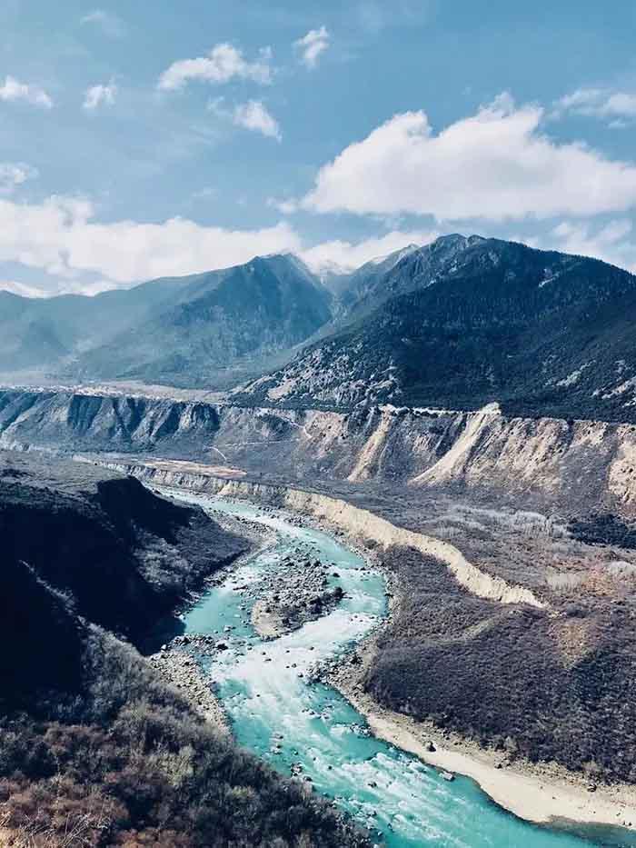 10 hẻm núi kỳ vĩ của Trung Quốc, xứng danh kiệt tác của tạo hóa - 1