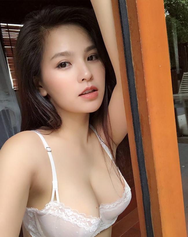 Sau gần 1 năm kể từ đó, Phí Huyền Trang mới quay trở lại và tích cực tham gia vào các dự án phim mới.