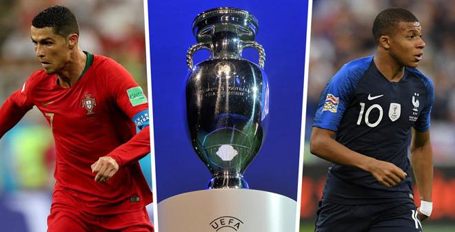 Ronaldo mua biệt thự 196 tỷ đồng chiều mỹ nhân, săn kỷ lục ở EURO 2021 - 1