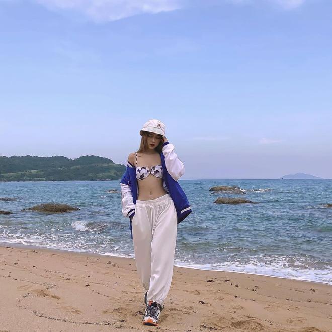 Hot girl Đà Nẵng làm người mẫu dù cao 1m6 nhờ tỷ lệ cơ thể đẹp - 1