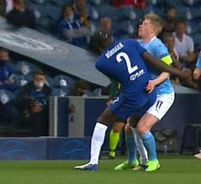 """HLV ĐT Bỉ giận dữ vì De Bruyne chấn thương nặng, """"thủ phạm"""" Rudiger lên tiếng - 1"""