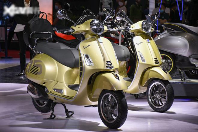 Ảnh thực bộ đôi xe ga Vespa Primavera và GTS bản kỷ niệm 75 năm tuyệt đẹp - 1