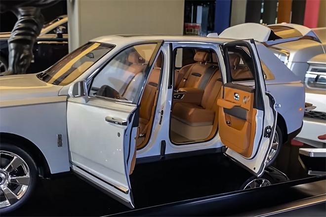 Cận cảnh mẫu xe mô hình Rolls-Royce Cullinan giá bán gần 1 tỷ đồng - 4