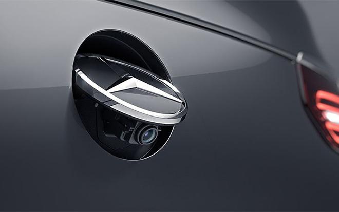 Mercedes-Benz triệu hồi hơn 342.000 xe vì lỗi hệ thống camera lui - 1