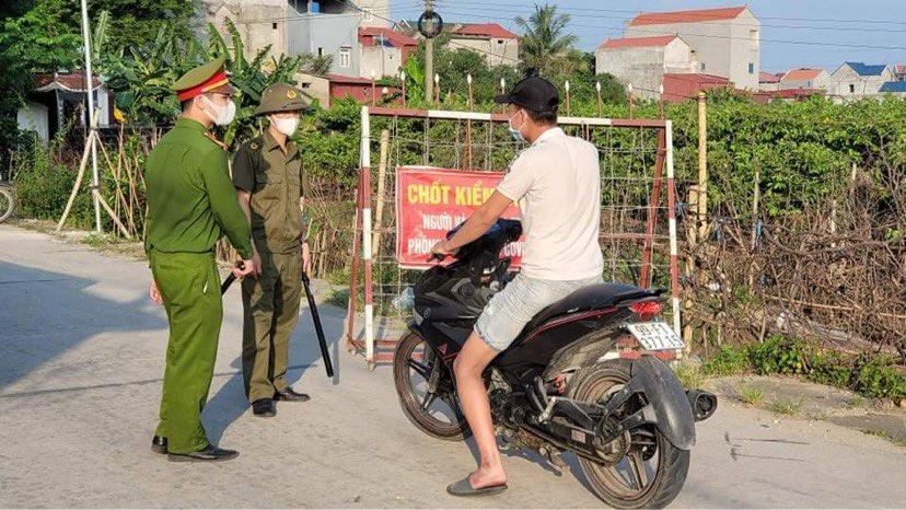 Phát hiện ca dương tính với SARS-CoV-2 ở cộng đồng, Bắc Ninh phát thông báo khẩn - 1