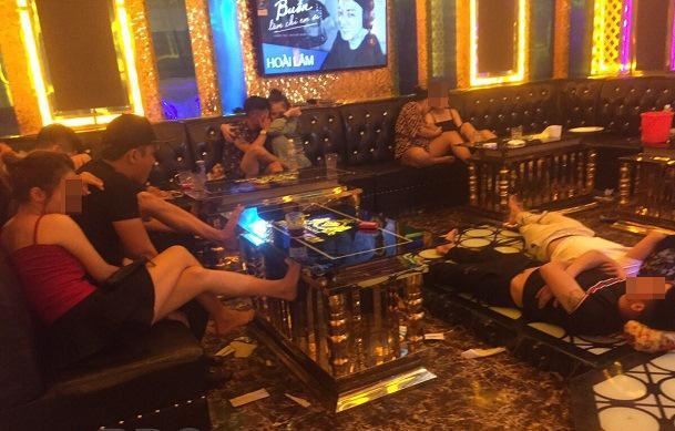 """Quán karaoke có """"tay vịn"""", để khách sử dụng ma túy giữa mùa dịch - 1"""
