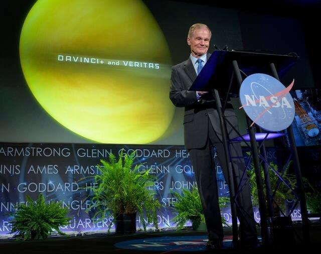 """NASA đưa 2 tàu vũ trụ """"tấn công"""" hành tinh song sinh của Trái Đất - 1"""