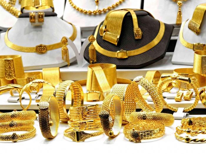Giá vàng hôm nay 3/6: Vọt tăng khi dân buôn gom 8,3 tấn vàng - 1