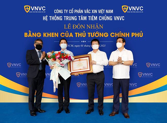Đặt cọc 30 triệu đô ngay khi nghiên cứu, VNVC thành công đưa vắc xin COVID-19 về Việt Nam