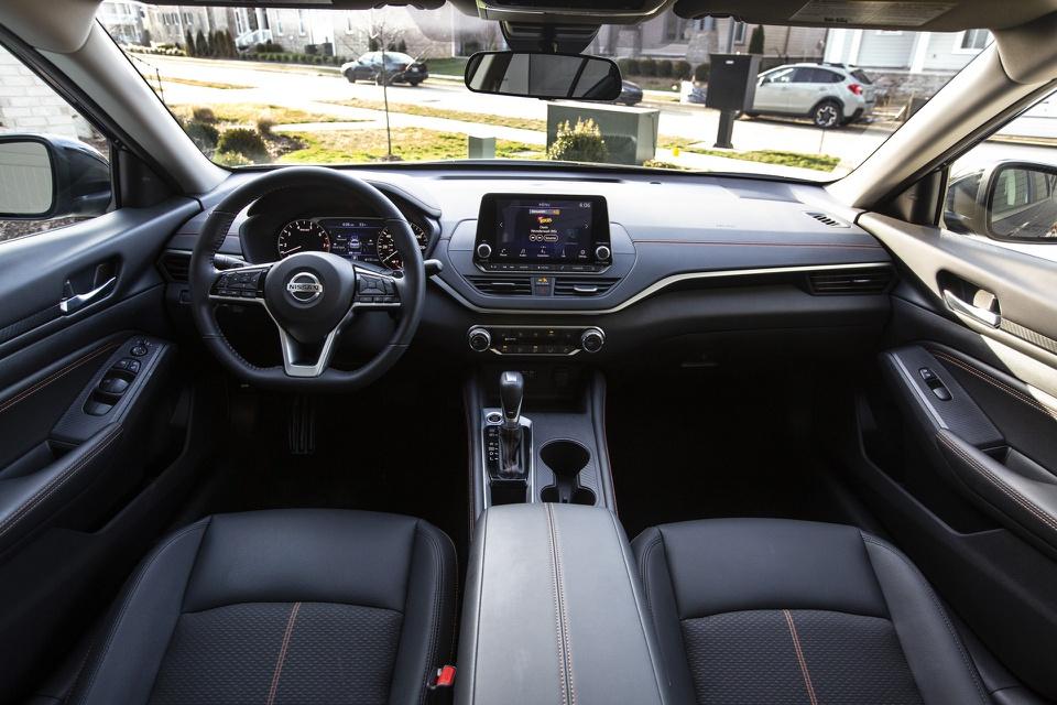 """5 mẫu ô tô có giá tầm trung nhưng nội thất """"sang, xịn, mịn"""" như xe cao cấp - 10"""